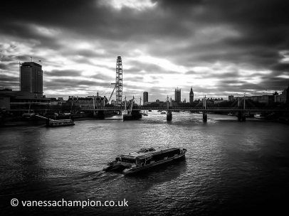 London Eye, thames, Waterloo, Boat and House of Parliament London Prints for offices, hotels, foyers, interior design, architecture, buildings, office spaces, new offices, bespoke and large stock library